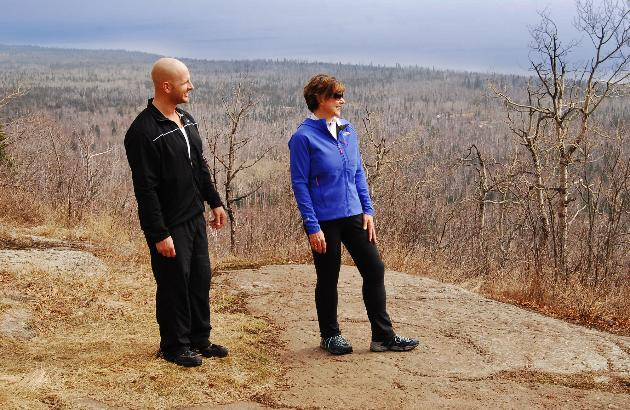 lori&leif-on-mountain
